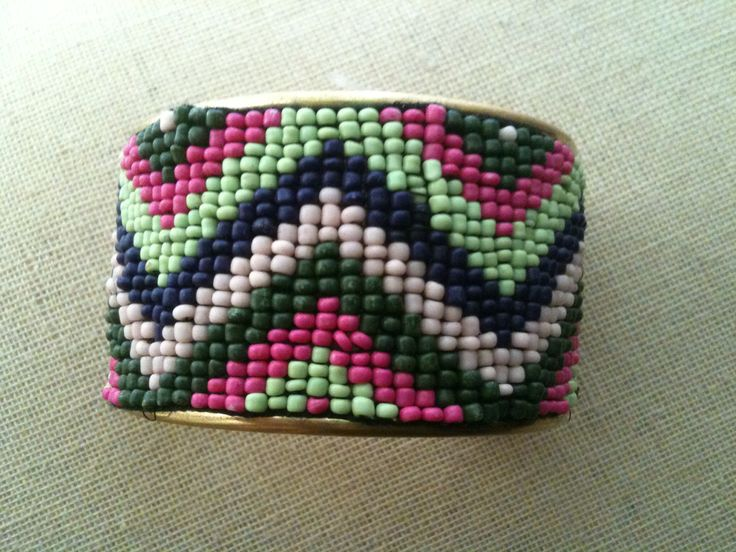 Chevron pattern beaded cuff bracelet