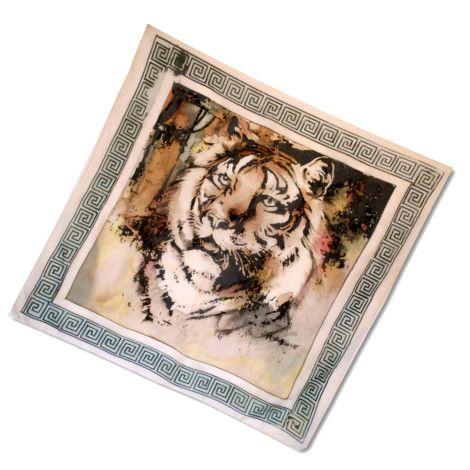 """Elegantná hodvábna šatka """"TIGER"""" z prírodného hodvábu, veľmi jemná na dotyk.  Farebné prevedenie šatky z príjemného hodvábu oživí vaše smutné dni a fádne oblečenie. Inšpirovaná zvieratami. http://bit.ly/1h5nxLL"""