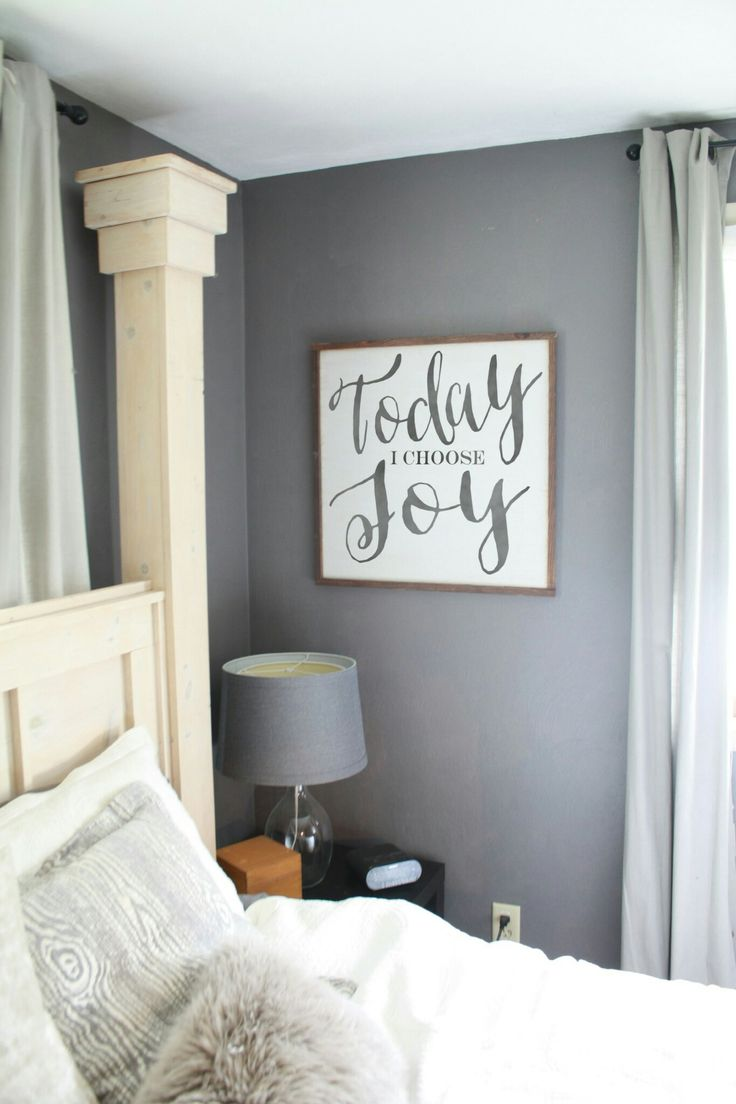 Really love the posts off the headboard