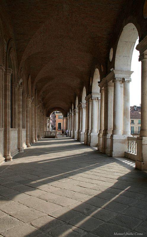 Basilica Palladiana (By Andrea Palladio), Vicenza, Veneto, Italy