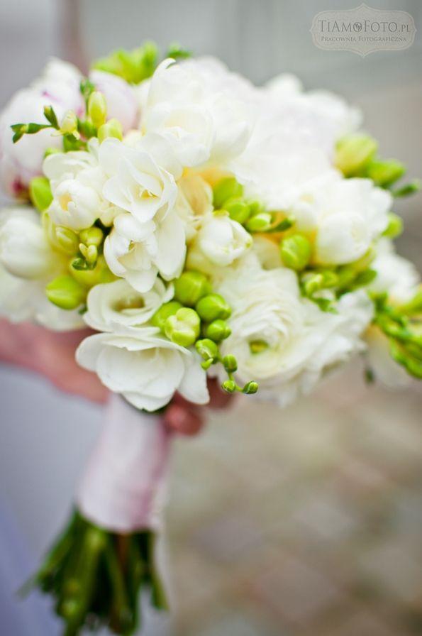 TiAmoFoto.pl bukiet ślubny, wedding bouquet, bukiet panny młodej, bride, kwiaty, ślub, fotografia ślubna, wesele, fotograf, detale, dodatki ślubne, dekoracje, biały, zielony