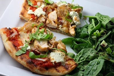 : Grilled Pizza with Caramelized Onions, Chicken and Goat Cheese ...
