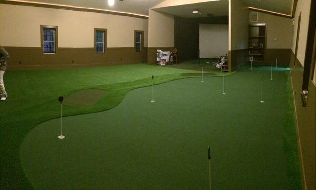 Custom Golf Room w Simulator