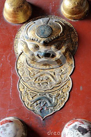 Details of an imperial ancient door of Bejing. An amazing travel to east.
