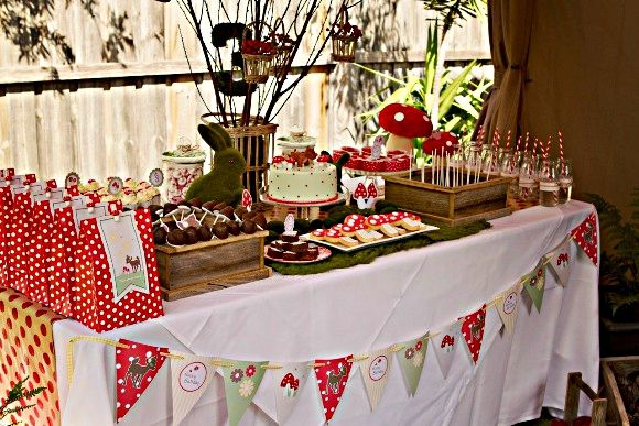 red+riding+hood+bambi+fawn+dear+forest+woodland+creatures+party+ideas+party+printables+partyware+party+supplies+desserts+table+birthday+party+supplies+shop+printables+free+buy05.jpg (580×387)
