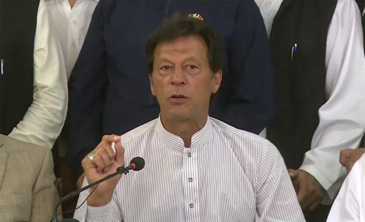 Zardari demanding Nawaz sharif arrest: Imran terms it a sign of 'Qayamat' (Judgement Day)