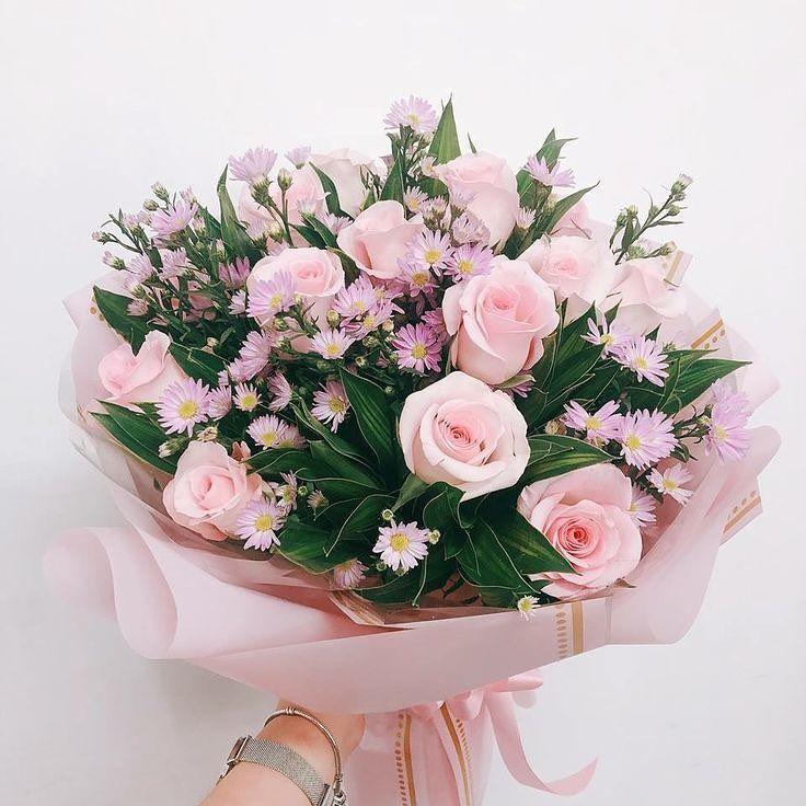 Цветы, букеты девушке на 25 лет