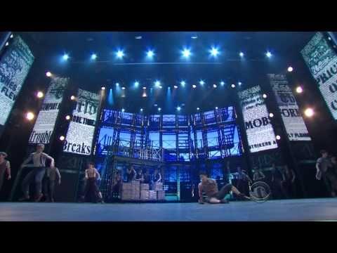 ▶ NEWSIES (Broadway) - Medley [LIVE @ The 2012 Tony Awards] - YouTube