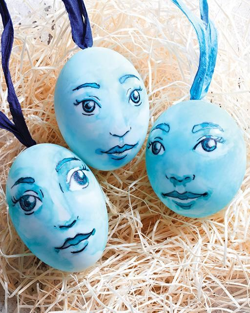 Blue Face Easter Eggs by Lova Blåvarg