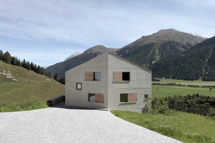 RUCH & PARTNERS ARCHITECTS LTD. | Works | Multiple dwellings Crusch, Samedan