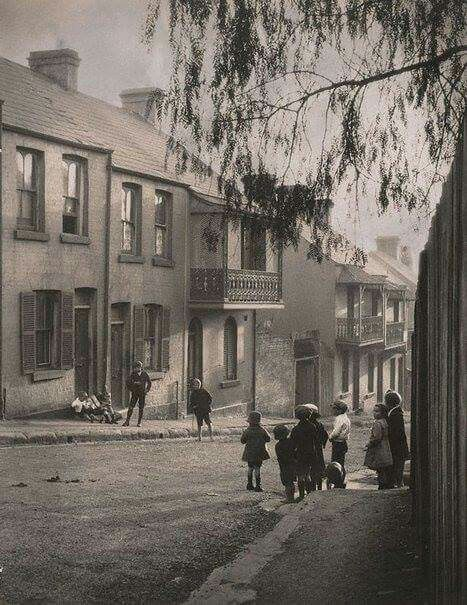 Somewhere in Surry Hills,Sydney in 1911.