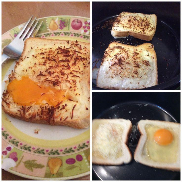 Tostada con huevo y queso gratinada