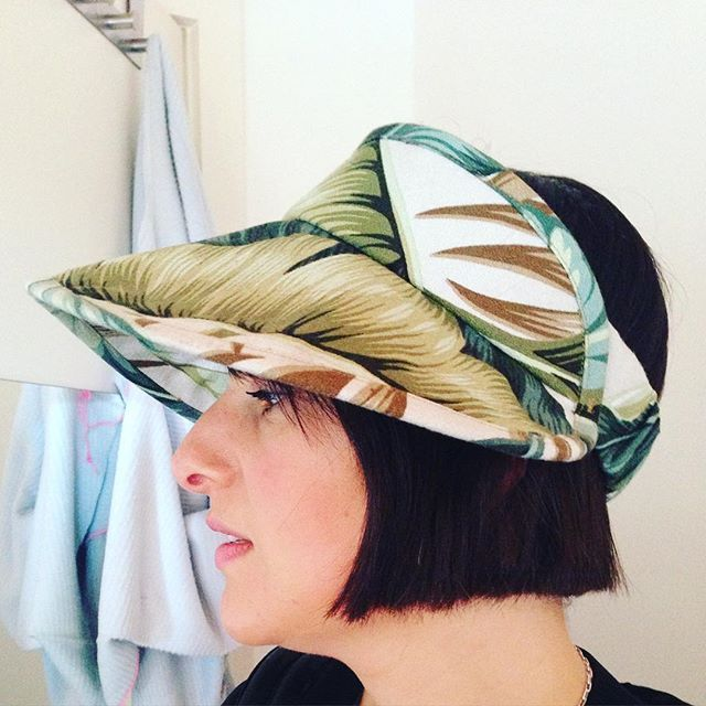 Ms Shelly of @superspecialscreenprinting knocking us out in the  #lucentvisor made from an off cut of upholstery fabric from @flashbackfabricwallpaper  #textile #millinery #sewingpattern