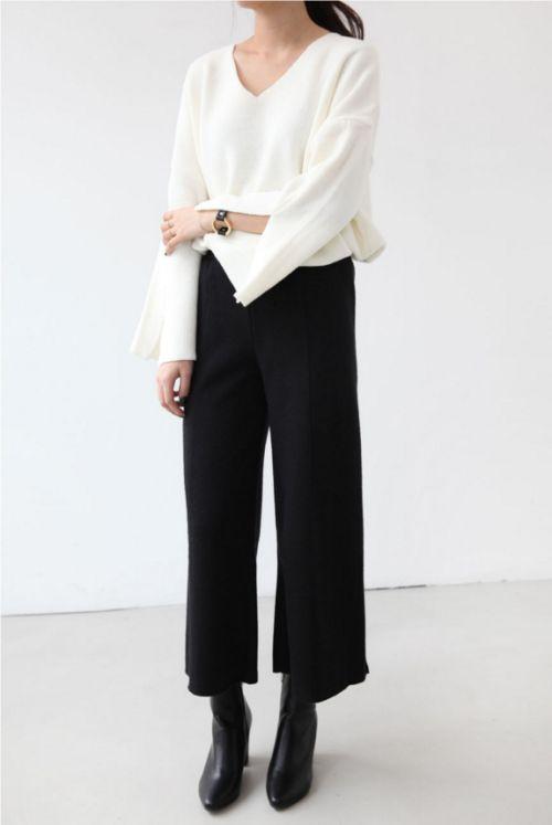 minimal black and white style