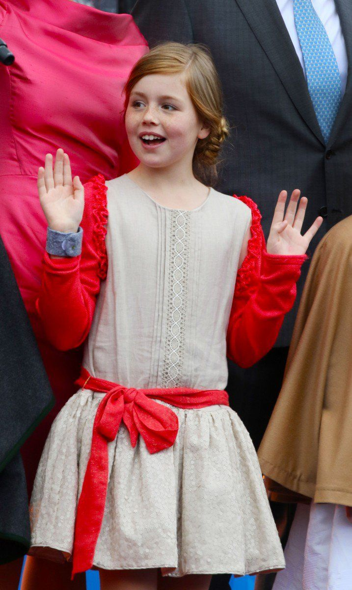Meanwhile Princess Alexia danced around in her cute dress with an orange-red ribbon and matching cardigan.
