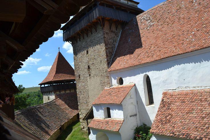 Viscri Fortified Church, Transylvania http://www.touringromania.com/regions/transylvania/transylvanian-citadels-and-castles/peles-castle-transylvania.html