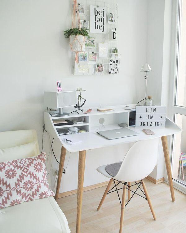 Desks In Small Places Are The Cosiest Deskinspo Deskbedroom