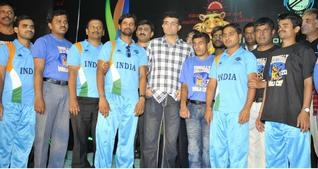 While India is tackling the mighty attack of England, Bangalore is gearing up to host the inaugural T20 cricket world cup for visually-impaired. The event starting from 1st December will witness the battle of nine cricketing nations for the ultimate crown in cricket. India, with a victory over Pakistan in March, is one among the favorites for the title. The 17 member Indian squad will be led by opener Shekar Naik from Karnataka.