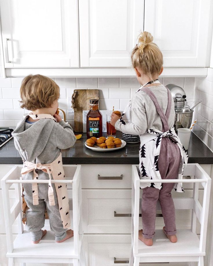 best 25 learning tower ikea ideas on pinterest kitchen helper learning tower and kids stool. Black Bedroom Furniture Sets. Home Design Ideas