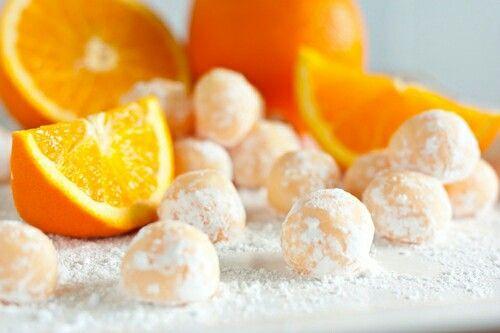 Portakal Kabuklarını Atmamak İçin 10 Harika Neden!  Kış ayının vazgeçilmez meyvesi,kahvaltı sofralarımızın baş tacı portakalın kabuklarını atmayın bayanlar.Oda kokusundan,selülite,cilt temizliğinden reçele kadar Portakal Kabuklarının atmamak için 10 mükemmel neden var! Detaylar haberimizde..  ==>>  http://www.sosyetikcadde.com/portakal-kabuklarini-atmamak-icin-10-harika-neden/