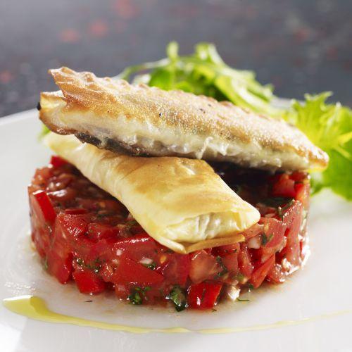 Découvrez la recette du chef Rémy Giraud du restaurant DOMAINE DES HAUTS DE LOIRE**** : Croustillant de sardine au fenouil, concassée de tomate