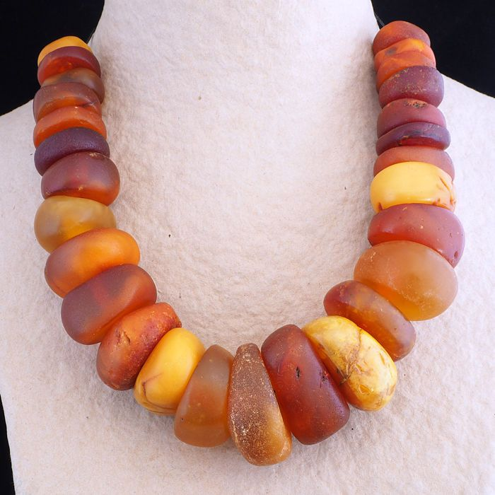 Currently at the #Catawiki auctions: Antique natural amber strand - From Morocco