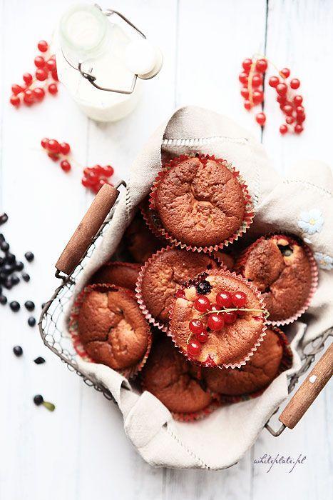 White Plate: Błyskawiczne muffiny z porzeczkami