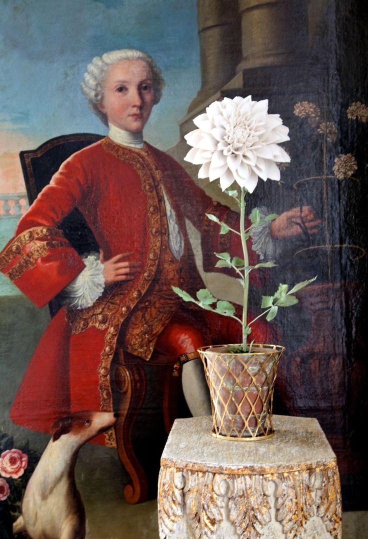 Carolyne Roehm - 18th c. painting with Vladimir Kanevsky flower