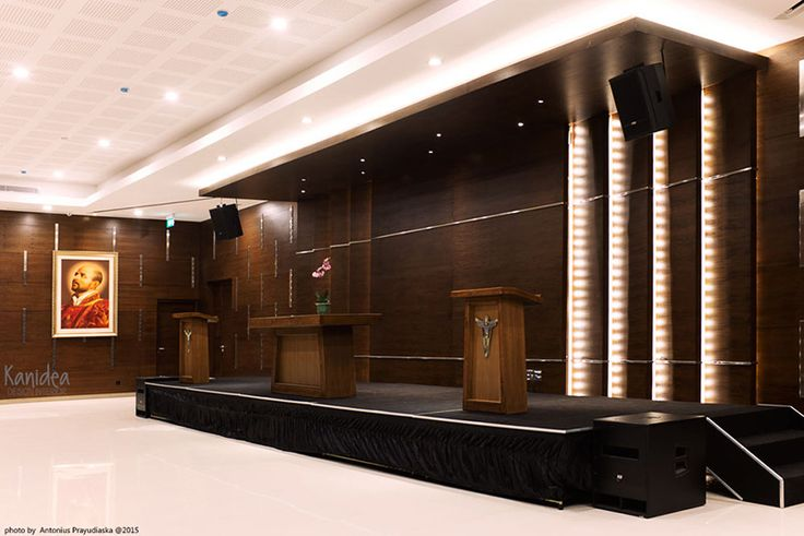 multifunction room #wood #panel #stainless #grids #interiordesign #modern #natural #ambience