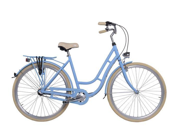 """Dámské retro kolo Cossack Verona 20,5""""/3r, modré Dámské městské kolo v retro stylu Cossack Verona s 3 rychlostním řazením a lehkým hliníkovým rámem bylo navrženo pro eleganci i pro Váš komfort. Konstrukce tohoto kola byla vytvořena pro snadný pohyb ve městě.  Nechybí ani pevný zadní nosič. O Váš komfort se postará velké pohodlné sedlo, které doladí Váš požitek z jízdy. Za nepříznivého počasí Vás ochrání přední a zadní blatník, spolu s účinným krytem řetězu. Bezpečnou projížďku zajistí přední…"""