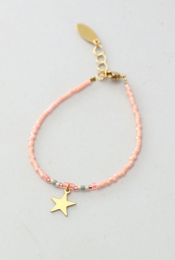 Little Girls Beaded Star Bracelet | MissdeMars on Etsy