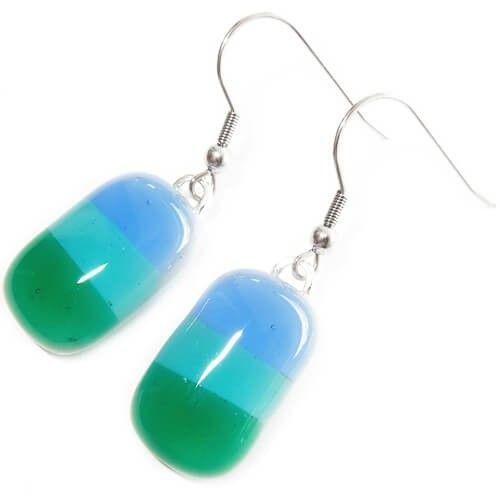 Handgemaakte blauw-groene oorbellen van glas! Oorbelhaakjes naar keuze incl. oorbelstoppers.