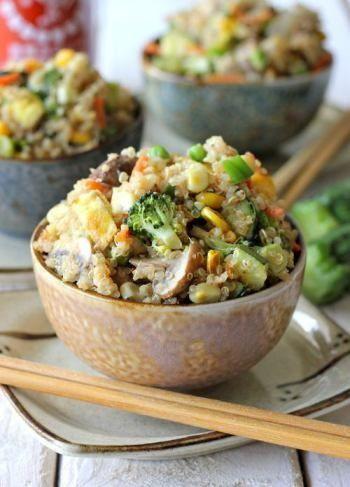 Quinoa com legumes e cogumelo! Tempero asiático.