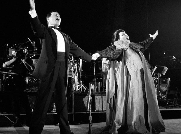 Barcelona! Go for gold! The best Olympic music  Freddie Mercury and  Montserrat Caballe