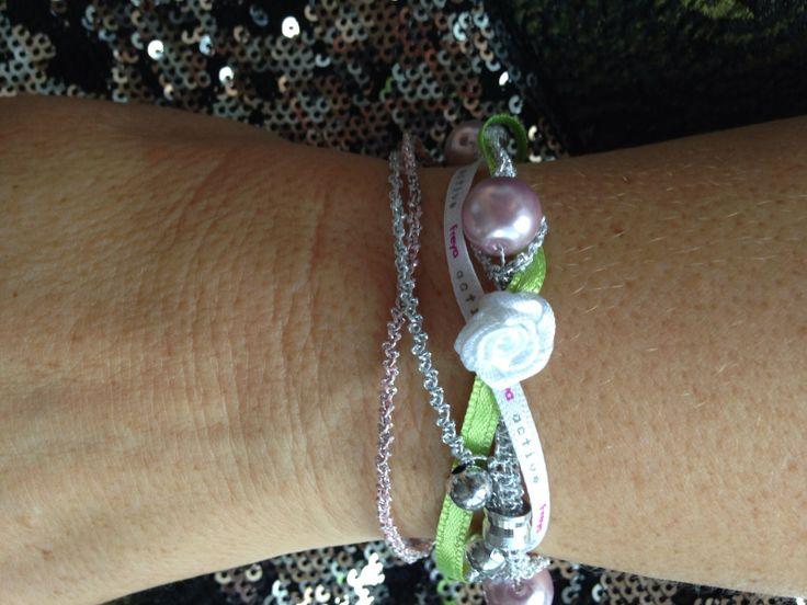 Macramé+zelenostříbrný+náramek+Drhaný+zelenostříbrný+náramek+s+růžovými+perličkami+20+cm