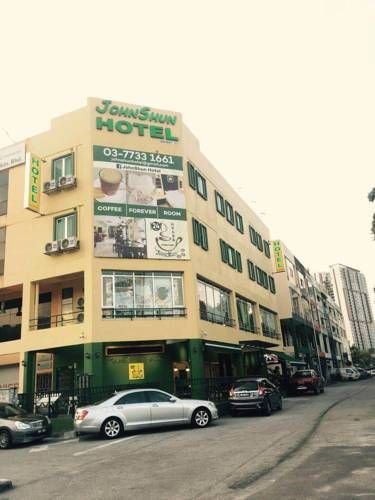 Johnshun Hotel Petaling Jaya Johnshun Hotel offers accommodation in Petaling Jaya. Guests can enjoy the on-site restaurant.  All rooms come with a private bathroom. Johnshun Hotel features free WiFi throughout the property.  There is a 24-hour front desk at the property.