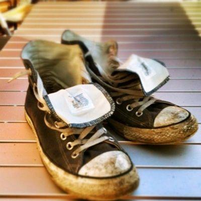 C mo lavar zapatillas en la lavadora lavar zapatillas y - Lavar almohadas en lavadora ...