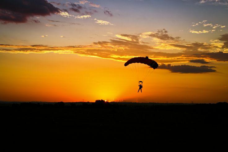 Skydiving - Sunset - Sauter en parachute #parachute #parachutisme