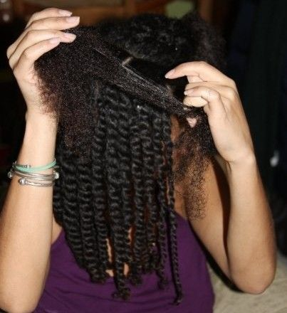 4 essential tips for keeping natural hair moisturized in dry summer heat