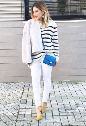 Look by @chicisimo with #bershka #primark #jeans #heels #white #whitepants #clutches #style #yellowheels #stylekatyshop #whitesweaters #graycoats #darkbluebags #stripedsweaters.