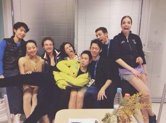 「ヘン顔」以外も!!+ソチ五輪フィギュアスケート選手たちの仲睦まじい集合写真+/+Twitterユーザーの声「こういう交流あってのオリンピック」