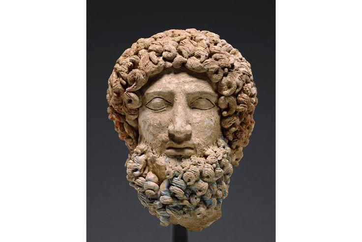 El Paul Getty Museum anuncia la devolución a Sicilia de la cabeza de Hades (400-300 aC).