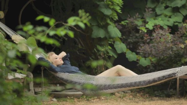 Cinemagraph: Endless Relaxation - Natalie Dormer is seen swaying in a hammock in this peace-inducing cinemagraph.