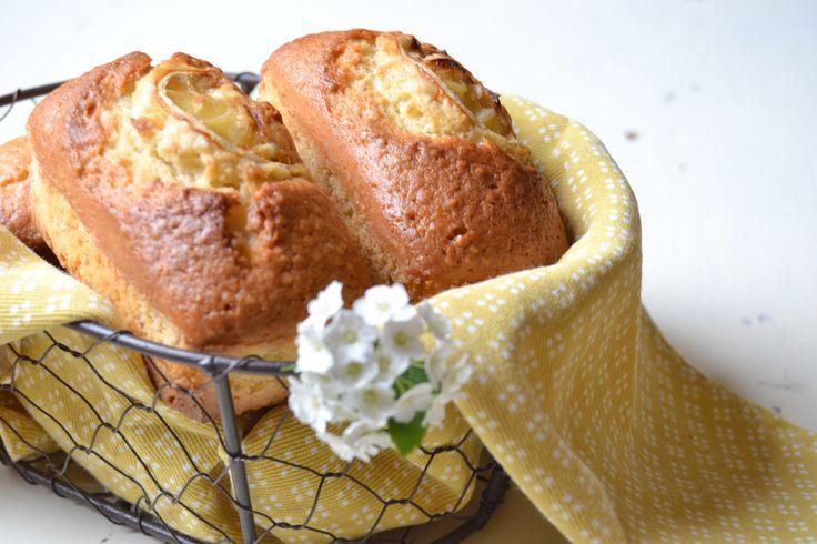 Plumcake al limone e semi di chia, perfetti per la colazione!  https://robysushi.com/2016/04/15/plumcake-al-limone-e-semi-di-chia/