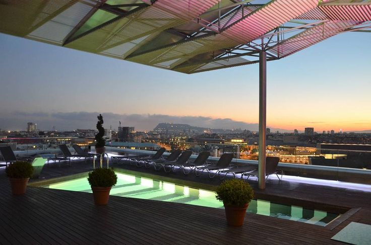 #urbanlandscapes #paisajesurbanos #hotelsilkendiagonal #Barcelona #niceplaces #arquitectura #architecture #freelifestile #freelifebarcelona