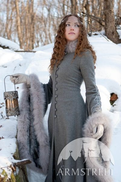 Costume coat with almost ten yards of wool and charming details. I'm having a Game of Thrones or LotR moment here!