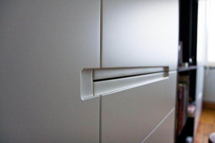 Keuken Handgrepen Koper : Detail van de ingefreesde handgrepen. Zowel de handgreep van de linkse