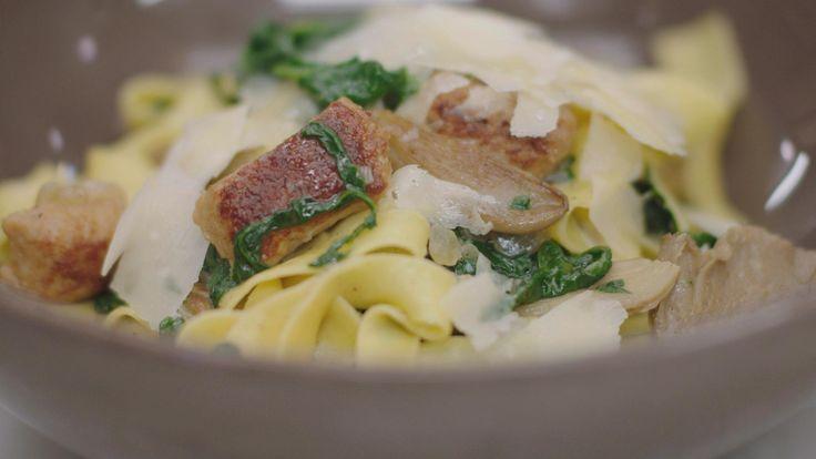 Recepten - Pasta met balletjes van kippengehakt, oesterzwam en spinazie