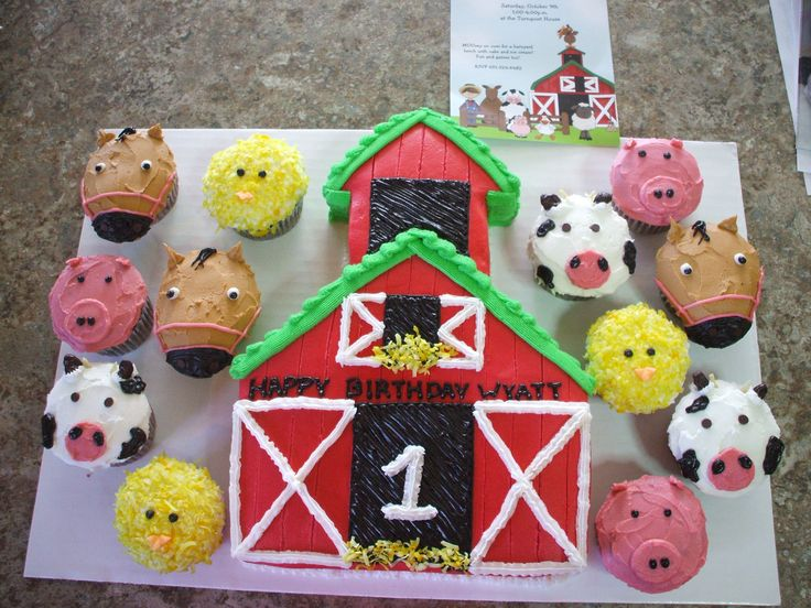 Cute farm cake I made with animal cupcakes.                                                                                                                                                                                 More