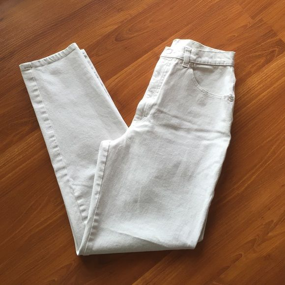 "Cerruti club denim Italian Made with 95% cotton , 5% spandex , color Ivory , size 40 , (6) waist 13"" , 27"" inseam, front wise 12"" skinny style Cerruti Pants Skinny"